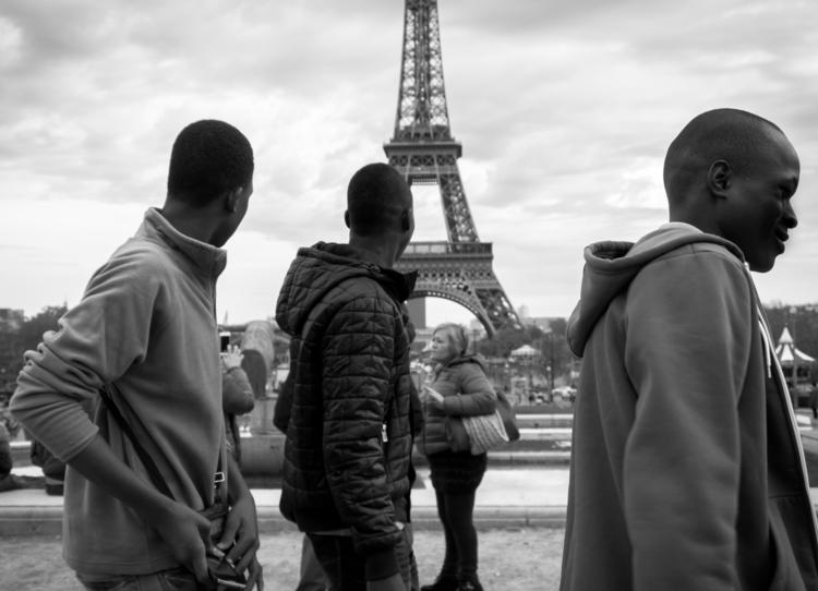 France – Eiffel Tower rare trip - fnyfly   ello