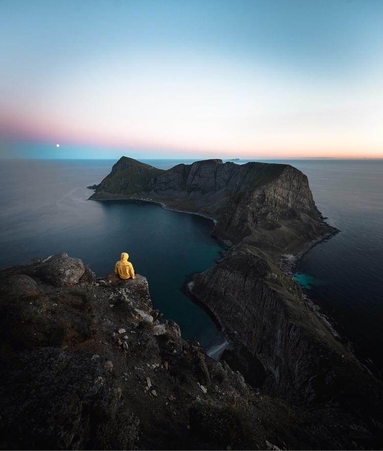 Lofoten Islands surely stunning - stiannorum | ello