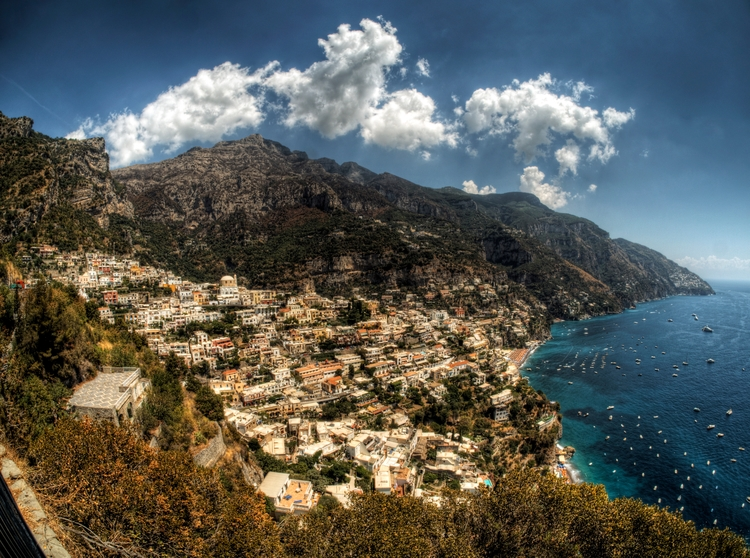 Positano, Italy - beautiful tow - neilhoward | ello