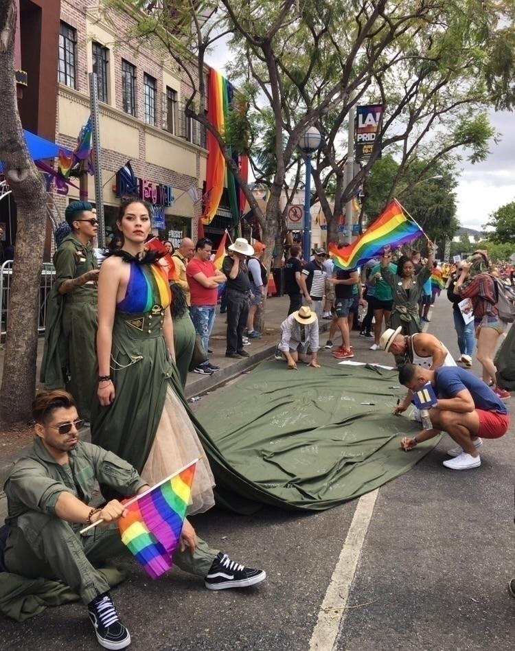 Gay Pride / Resist March, West  - nicomartinez | ello