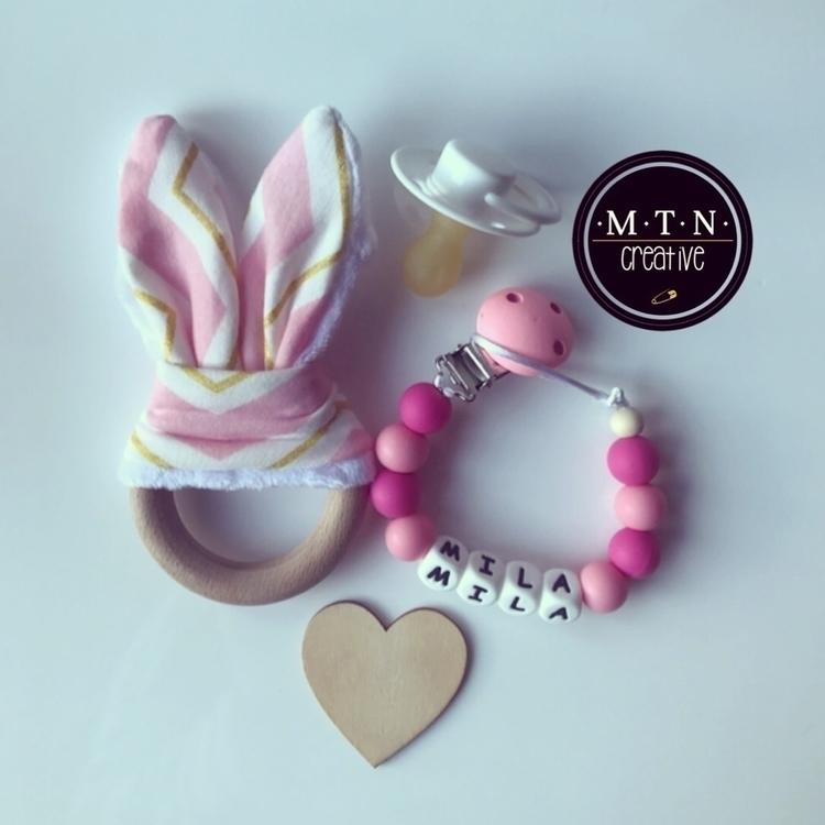:revolving_hearts:Pink - bunnyears - mtncreative | ello