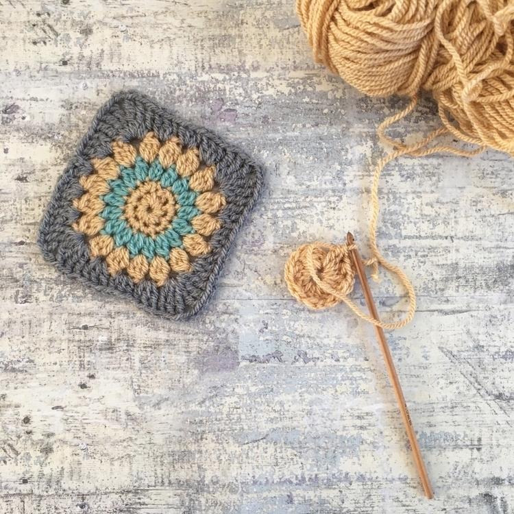 Happy Friday! Hope crochet/knit - missmoffatyarns | ello