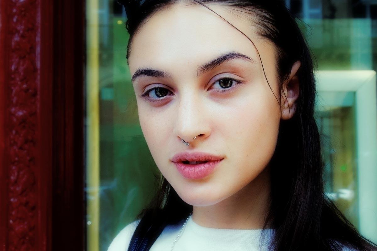 face / Alina Kozyrka, Ukraine  - fashionsnap   ello