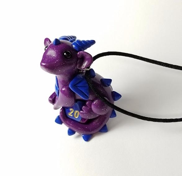 baby dragon necklace! Love colo - prismaticpearls | ello