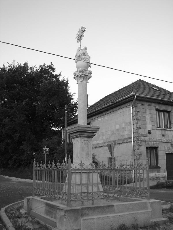 emlékmű (Sóskút - latnivalo, turabazis - turabazis | ello