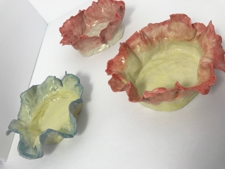 Pretty pretty flower dishes - LILPsPottery - lilpspottery   ello