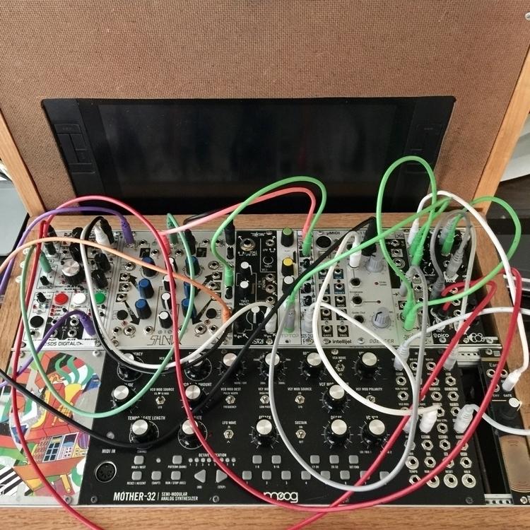 eurorack, synthesizer, modular - missionformation | ello