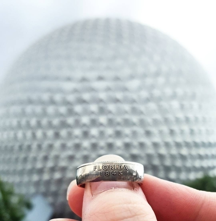 morning checked Epcot! State Qu - midnightjo | ello