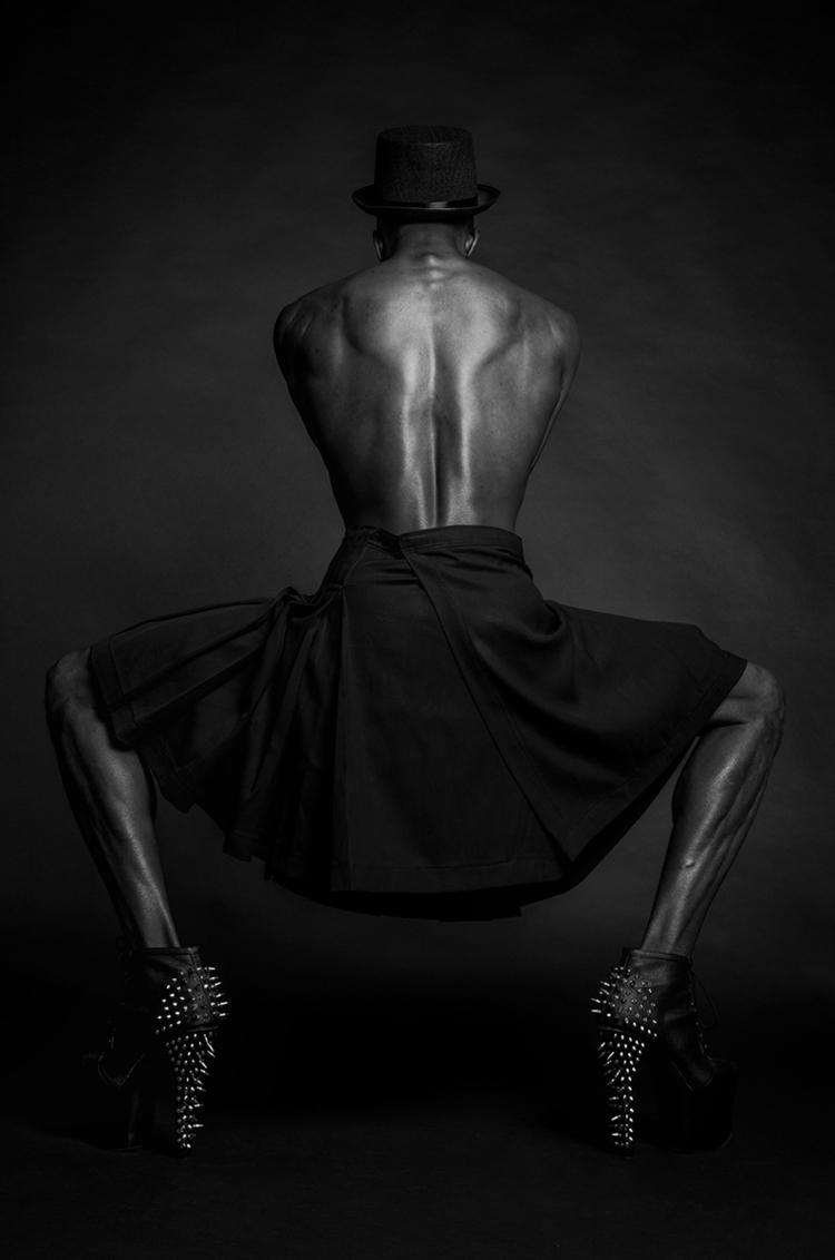 Photographer:Varvara Kandaurov - darkbeautymag | ello