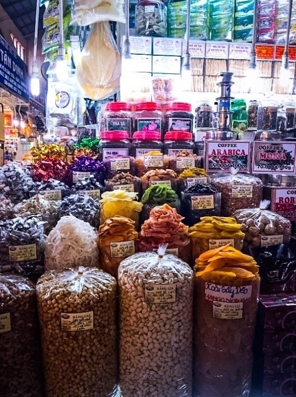 Vietnam Market. Karen Exiner - exinerartstudio | ello