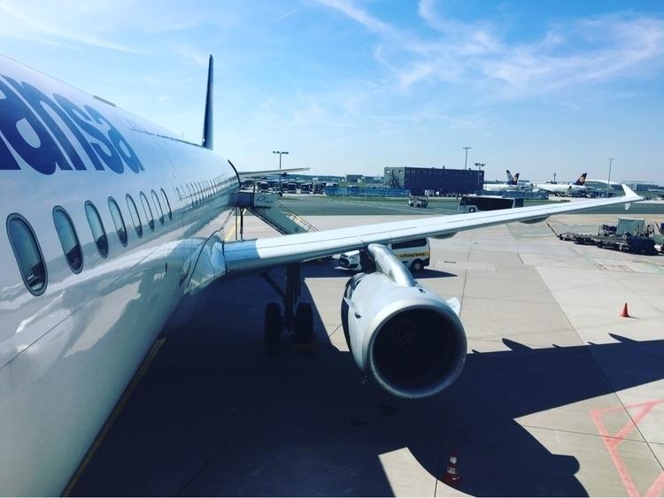 FRA Lufthansa :airplane:️ LH906 - rowiro | ello