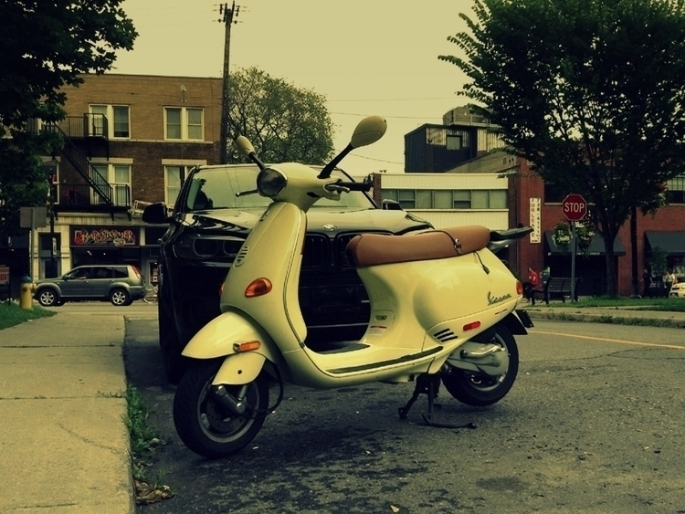 Vespa - photo, vespa, holder, wheels - dispel | ello