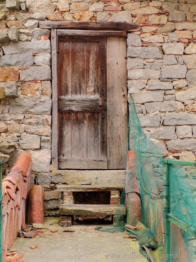 Quittengo fraction Campiglia Ce - milanofotografo | ello