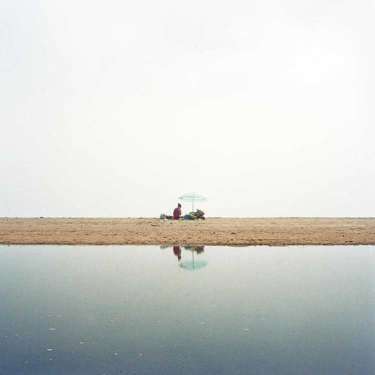 Antoine Snok - bintphotobooks   ello