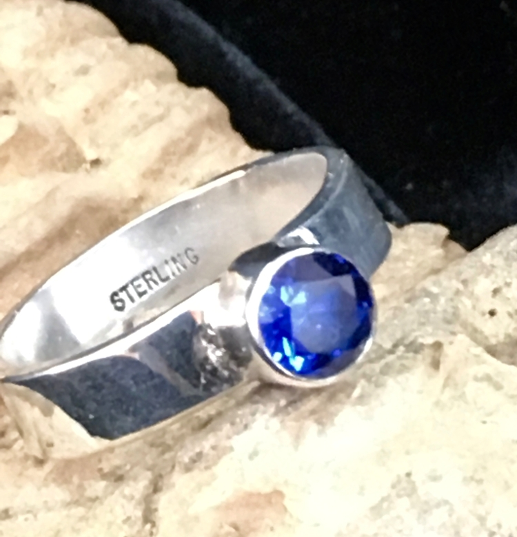 Blue Sapphire Ring - desertnightsstudio - desertnightsstudio | ello