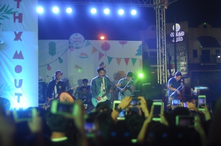 struggling decent photo - SilentSanctuary - mbonbon | ello