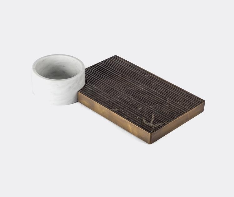 Design: Silvia Fanticelli Salva - minimalist | ello