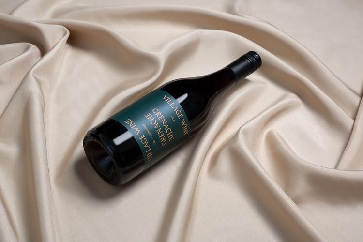 Packaging series wines 'Village - northeastco | ello