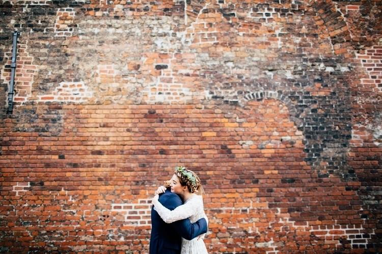 wedding, coolbride, elopement - amandathomsen | ello