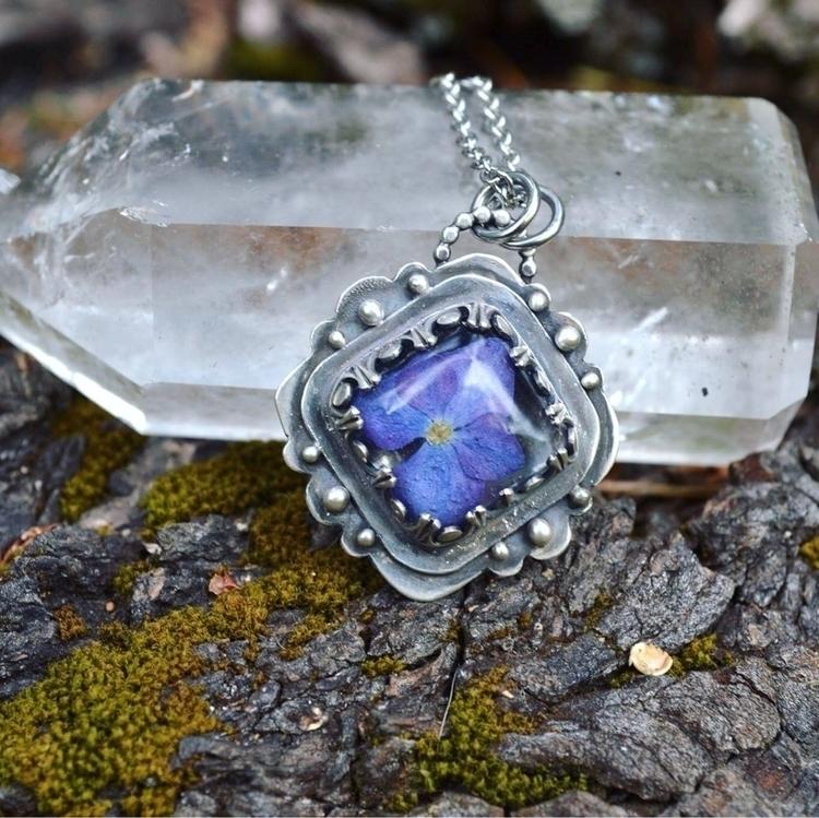 Lovely Huydrangea pendant shop - lunafloradesigns | ello