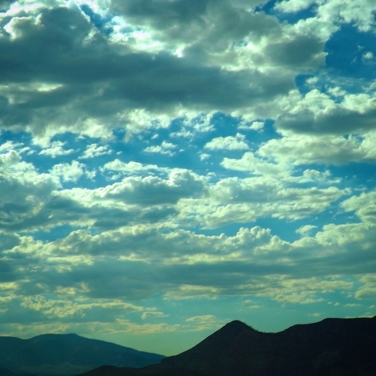 clouds horizon, dreams fill wor - alexgzarate | ello