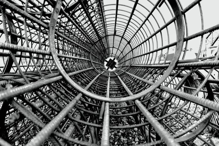 Tunnel vision - blackandwhitephotography - borisholtz | ello