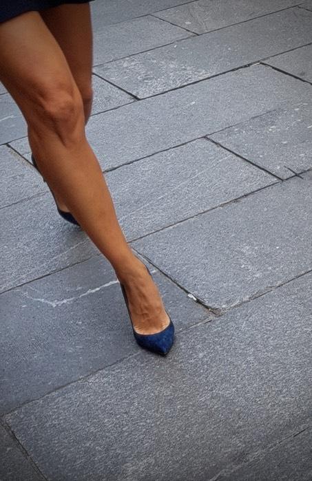 1 bumping downtown, Geneva - Legs - ziolele | ello