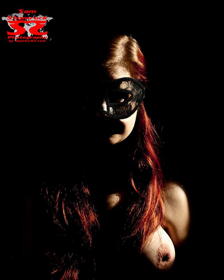 mask - agentur67, samshamrock, thbphotoart - agentur67 | ello