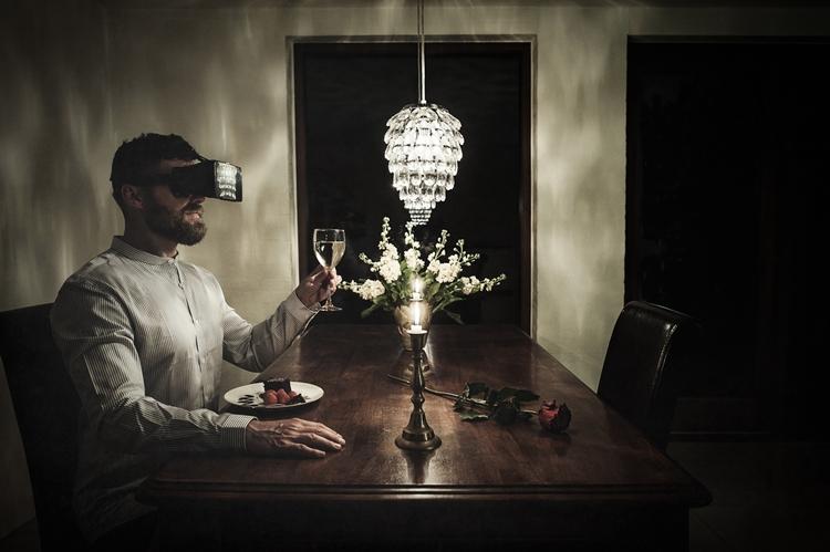"""Virtual Reality Check: Dinner  - darkbeautymag   ello"