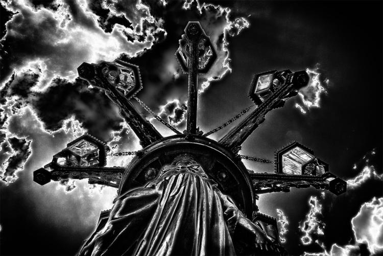 prague castle - street lamp - streetlamp - stephanepictures | ello