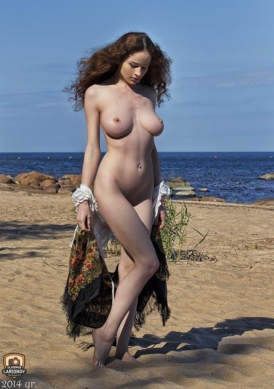 brunette, boobs, tits, nude, beach - ukimalefu | ello