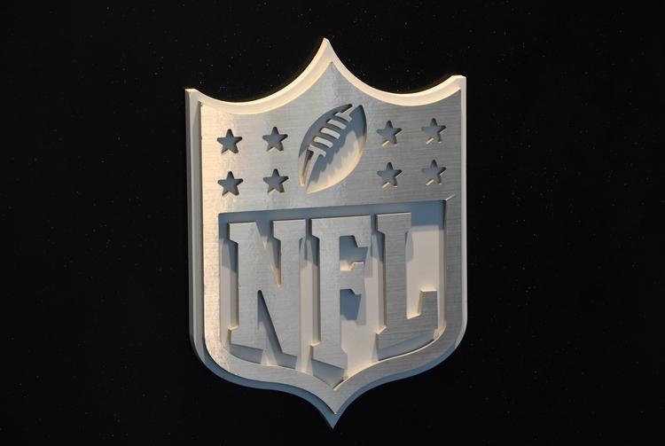NFL: Bold Predictions 2017-18 S - nflwblz | ello