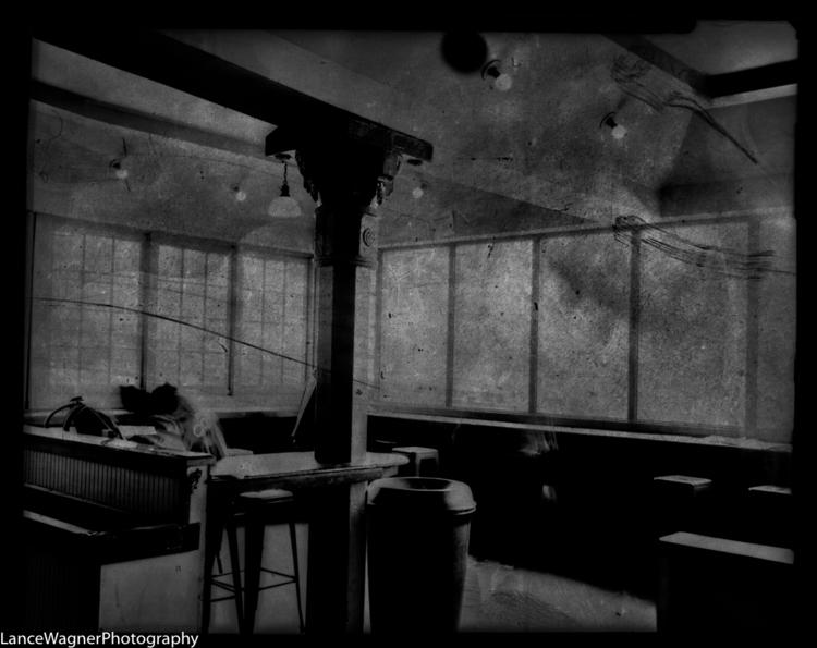 Seaview Cafe - GraflexSuperGraphic - lancewagnerphotography | ello