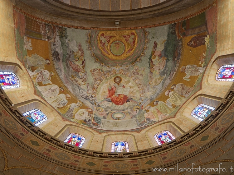 Milan (Italy): Vault apse Basil - milanofotografo | ello