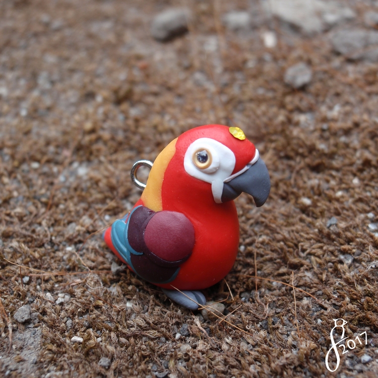 charm Cuban Red macaw, extinct  - 8bluebirds_studio | ello