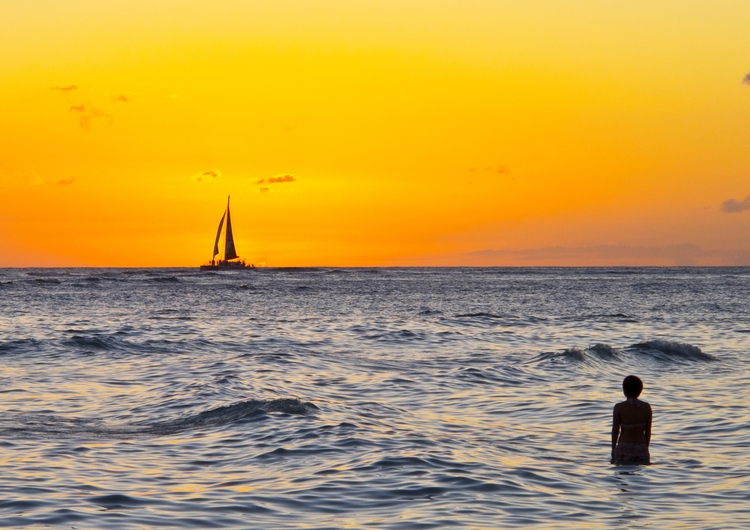 Oahu, Waikiki, Sunset, sailing - usnrmustang | ello