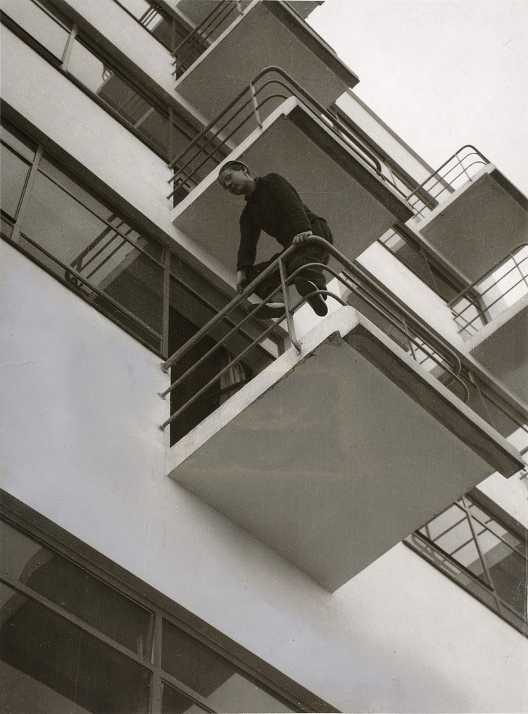 László Moholy-Nagy (Photo), Wal - bauhaus-movement | ello