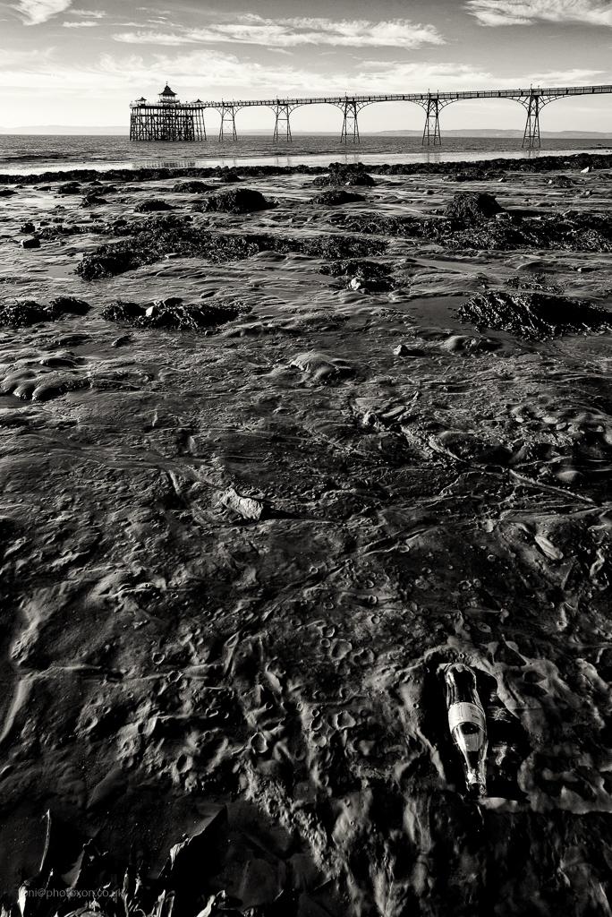 Clevedon beach - clevedon, pier - toni_ertl | ello