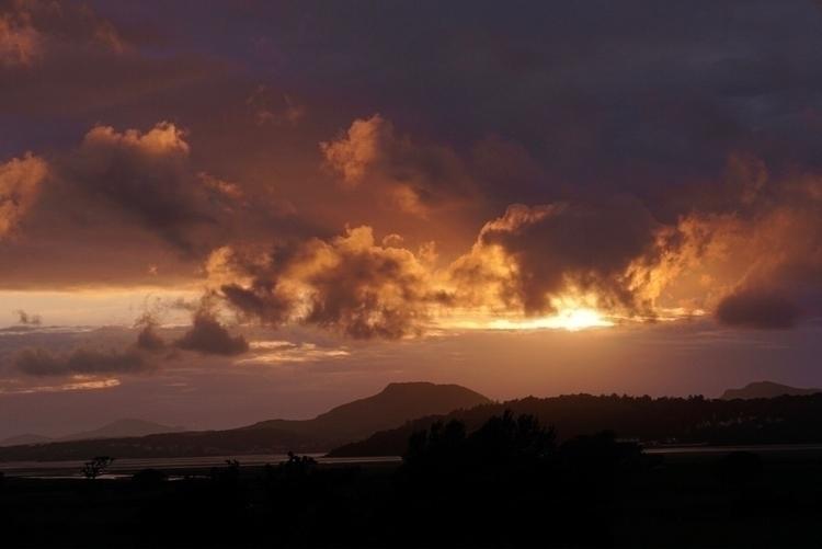 Sunset Portmeirion Harlech estu - greyswan | ello