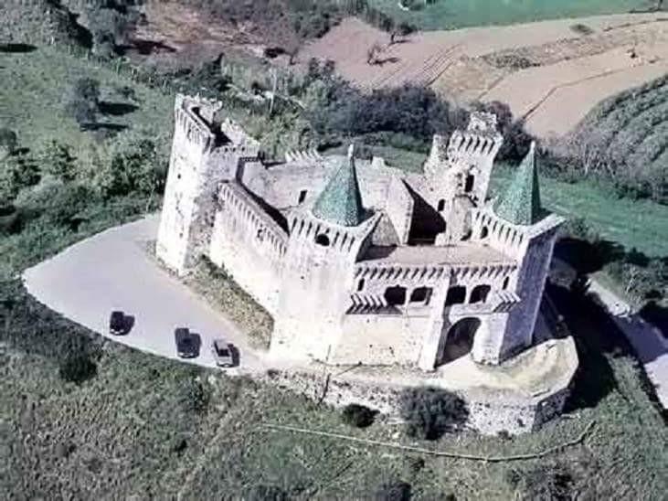 castle Porto de Mos kind unique - enologo | ello