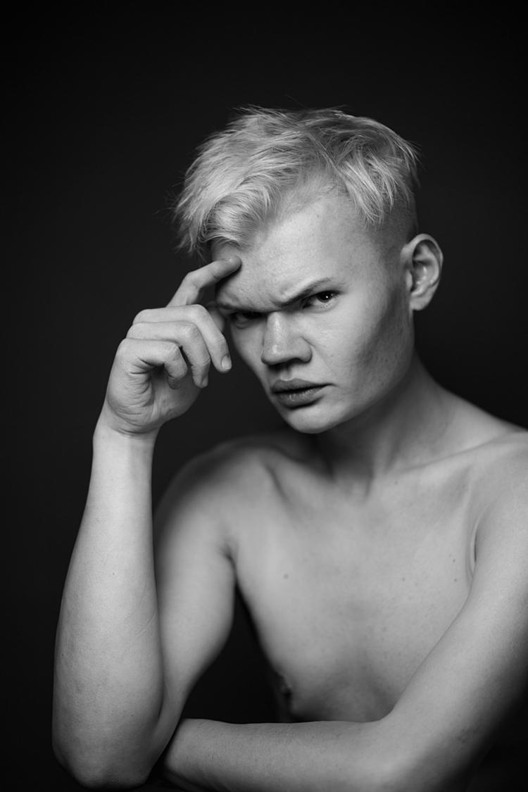 Photographer: Besserer -AKB Fo - darkbeautymag   ello