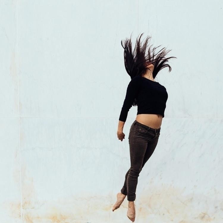 reach  - camerasanddancers - thekevinj | ello