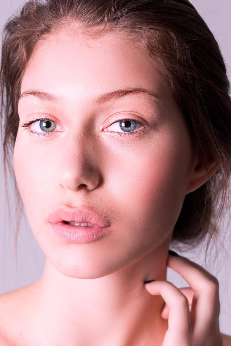 Model: Bruna Lucchiari Allure M - nipasserani | ello