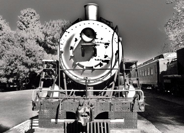 Face locomotive - blackandwhite - sirhowardlee | ello