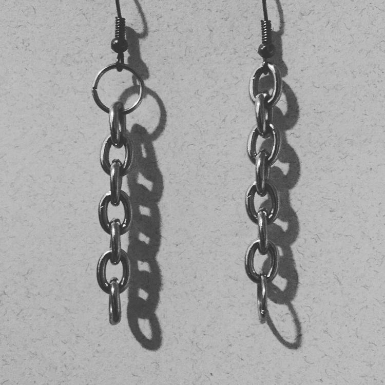 asymmetrical chain earrings - jillspail | ello