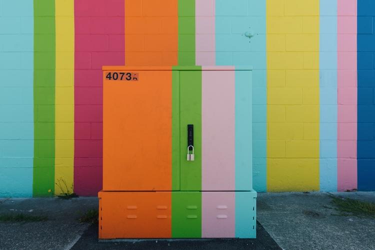 Juice - powerbox street Jukebox - rhinocerous | ello