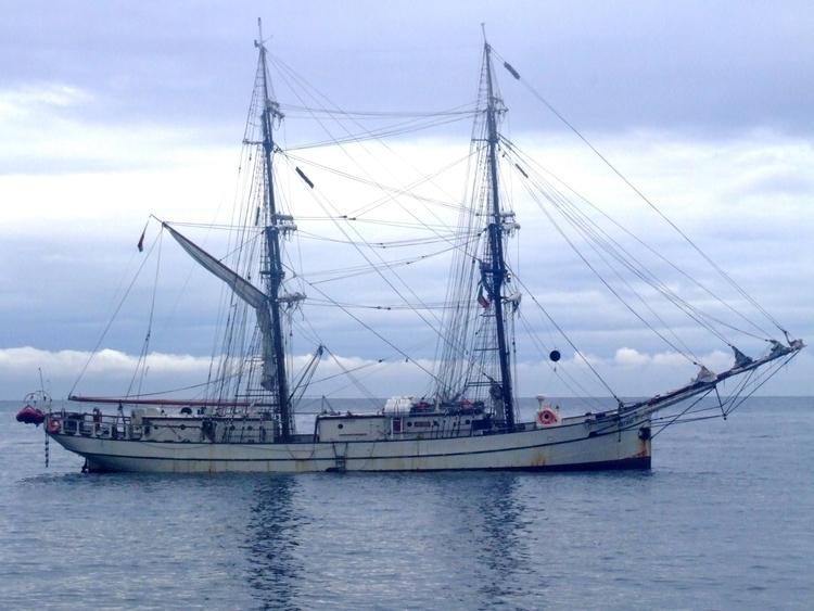 Ship Madeira - euric   ello