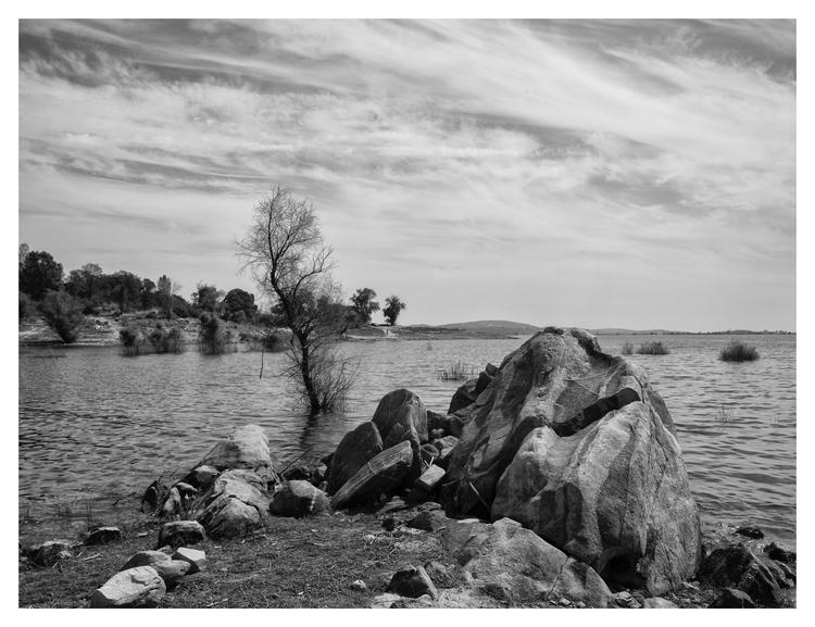Folsom Lake, CA. USA - guillermoalvarez | ello