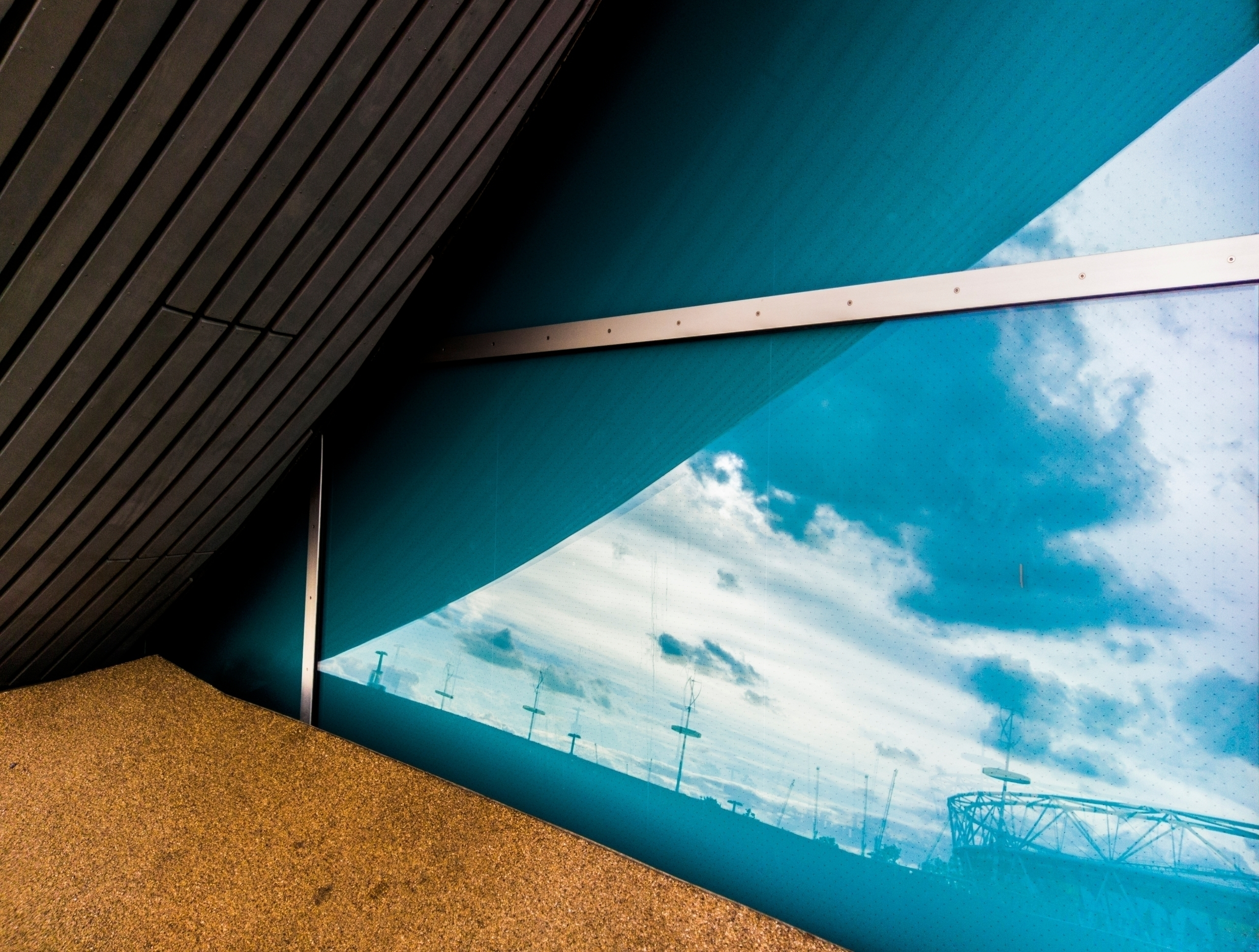 London Olympic Park swimming po - notabene | ello