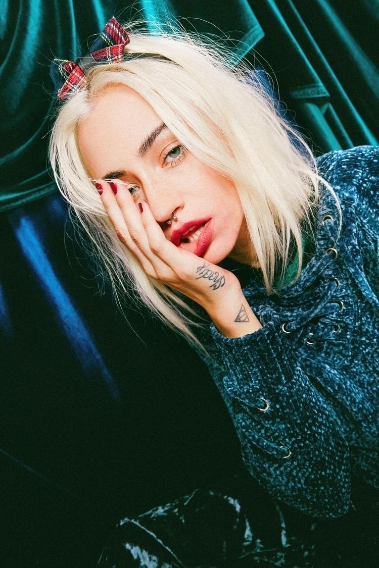 </3 Velvet Crush Katie. '17 - lucicrystal | ello